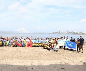 Mahim Beach Cleanliness Drive by Club Enerji