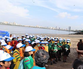 Club Enerji Cleanliness Activity in Mahim Beach