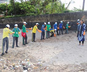 Cleanliness Activity by Club Enerji in Mahim Beach